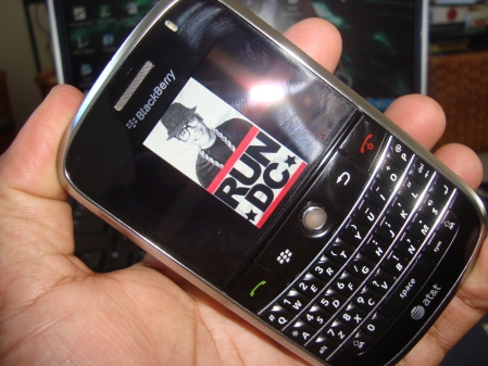 You know I had to rock the Obama - RunDC Screensaver on my new Berry.
